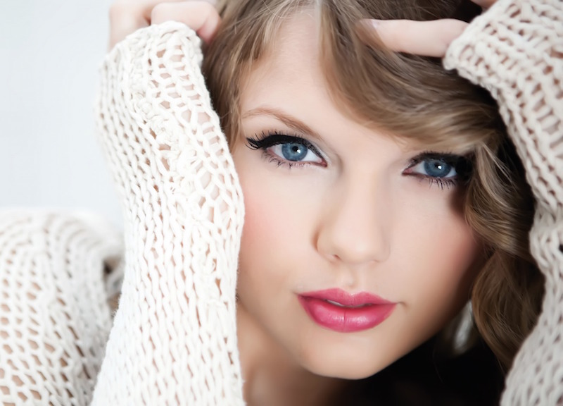 Cute Taylor Swift Image 07 - www.walldes-download.com